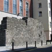 01 City wall Bertram Ct